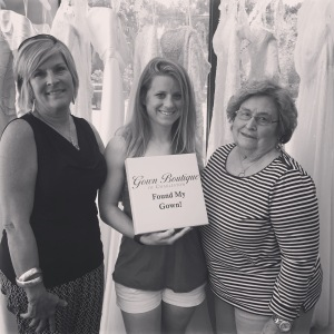 Dot Dot and Jamey came down and helped me pick out a wedding dress :)